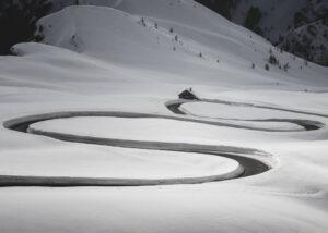 Plakat Droga w śniegu