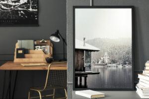 Plakat Górskie jezioro w czarnej ramie